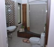 Bathroom Master Bedroom (Actual Footage)